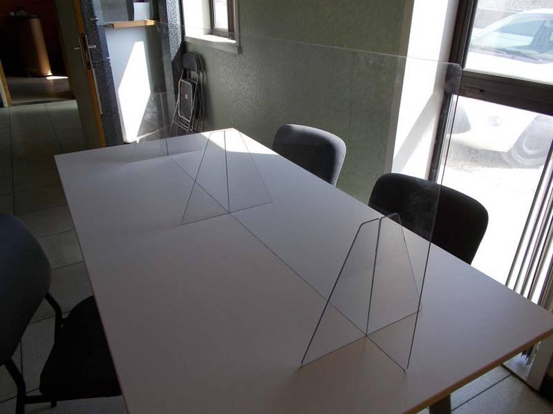fabricant protection plexiglass sur mesure