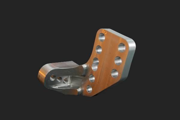 fabricant pièce tuning moto aluminium